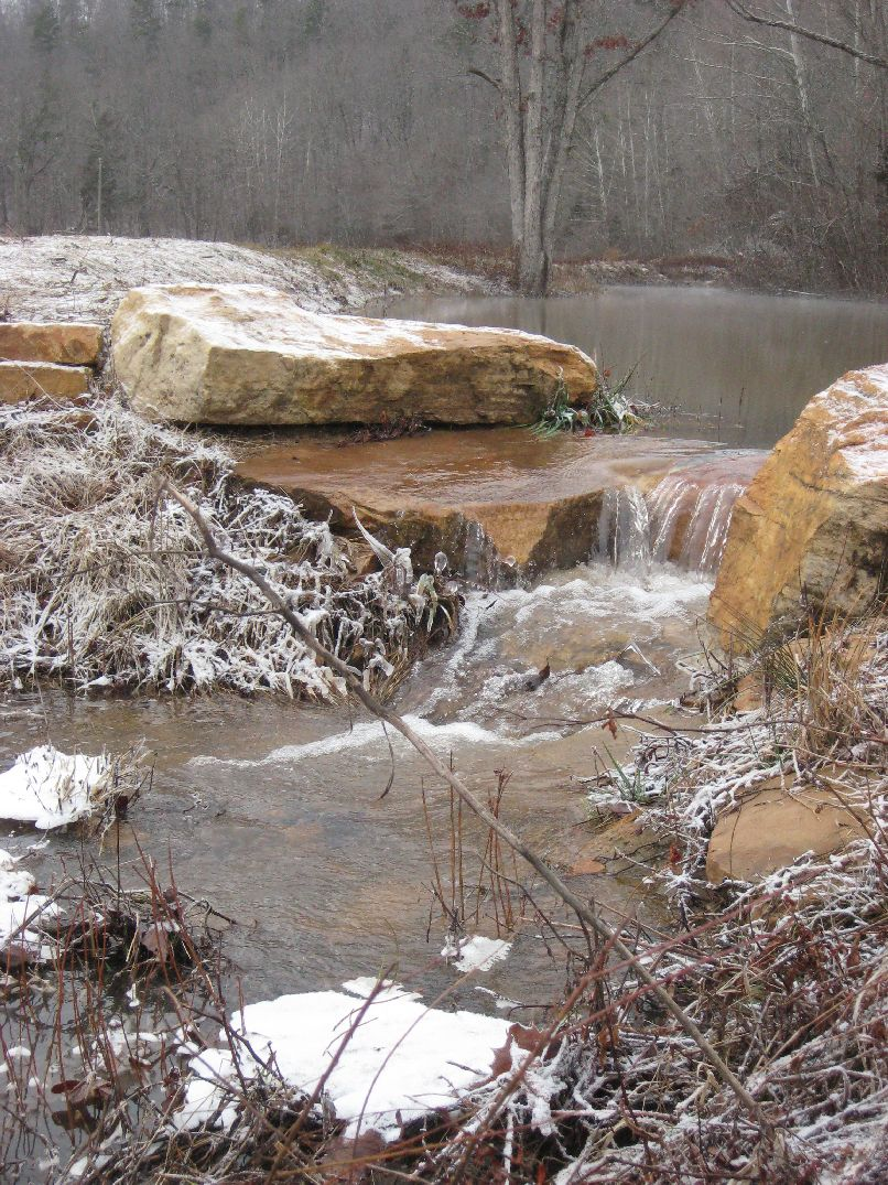 Stone for pools and fish ponds ideas from gottschalk quarry for Pond waterfall spillway ideas